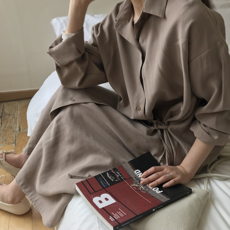 Classic long shirt dress in brown